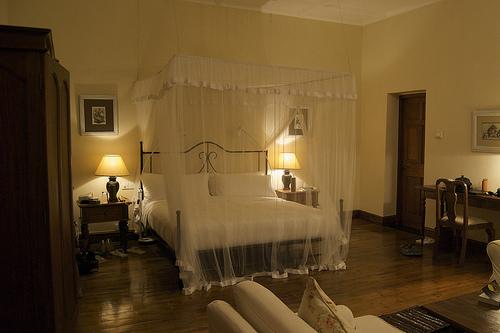 5-Door to Bed